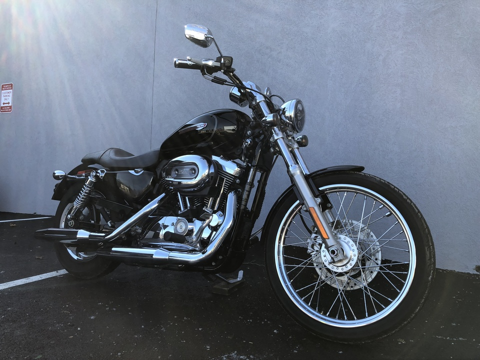 2010 Harley-Davidson 1200C  - Triumph of Westchester