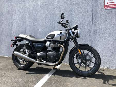 2018 Triumph Street Twin  for Sale  - 18TRISTTWIN-109  - Triumph of Westchester
