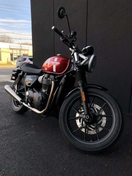 2017 Triumph Street Twin  for Sale  - 16STREETTWIN-220  - Triumph of Westchester