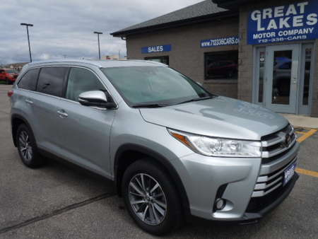 2019 Toyota Highlander AWD for Sale  - 1490  - Great Lakes Motor Company