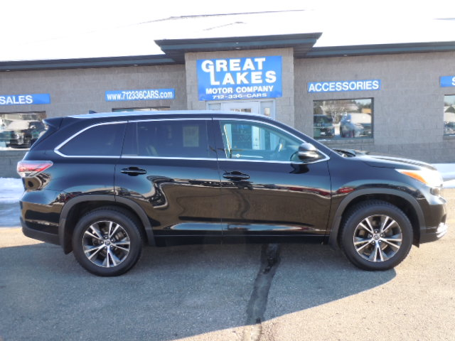 2016 Toyota Highlander XLE AWD  - 1556  - Great Lakes Motor Company