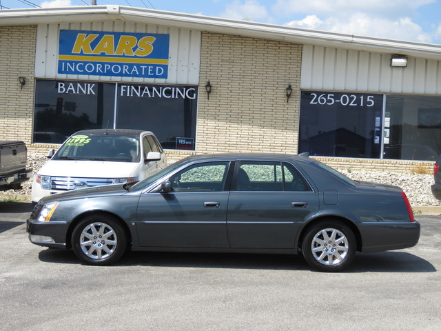 2010 Cadillac DTS  - Kars Incorporated - DSM