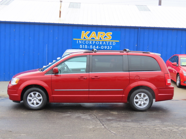 2010 Chrysler Town & Country  - Kars Incorporated - DSM