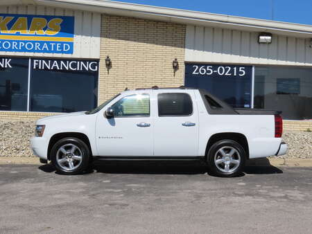 2009 Chevrolet Avalanche LTZ 4WD Crew Cab for Sale  - 943944  - Kars Incorporated - DSM