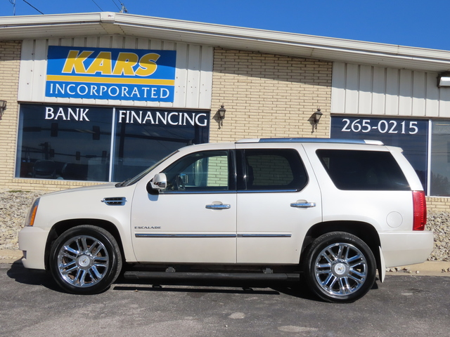 2012 Cadillac Escalade Platinum Edition AWD  - C28512  - Kars Incorporated - DSM