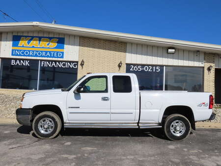 2005 Chevrolet Silverado 2500HD HEAVY DUTY 4WD Extended Cab for Sale  - 510961D  - Kars Incorporated - DSM