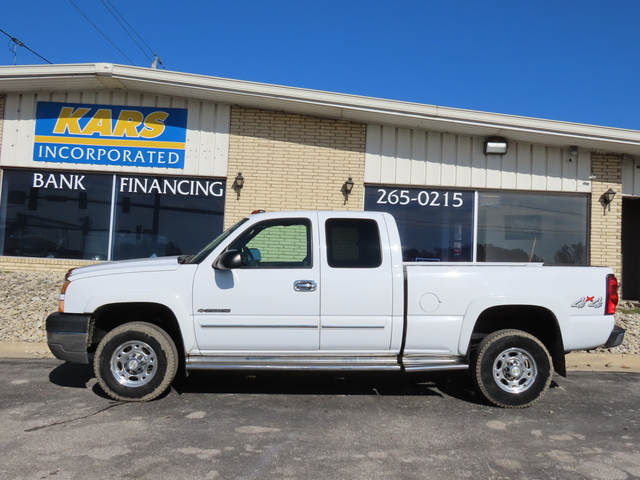 2005 Chevrolet Silverado 2500HD HEAVY DUTY 4WD Extended Cab  - 510961D  - Kars Incorporated - DSM