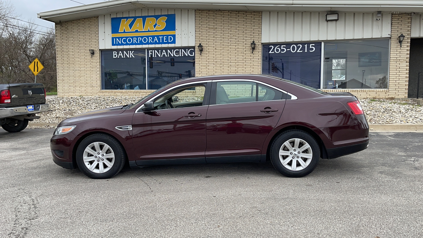 2011 Ford Taurus SE  - B24305D  - Kars Incorporated - DSM