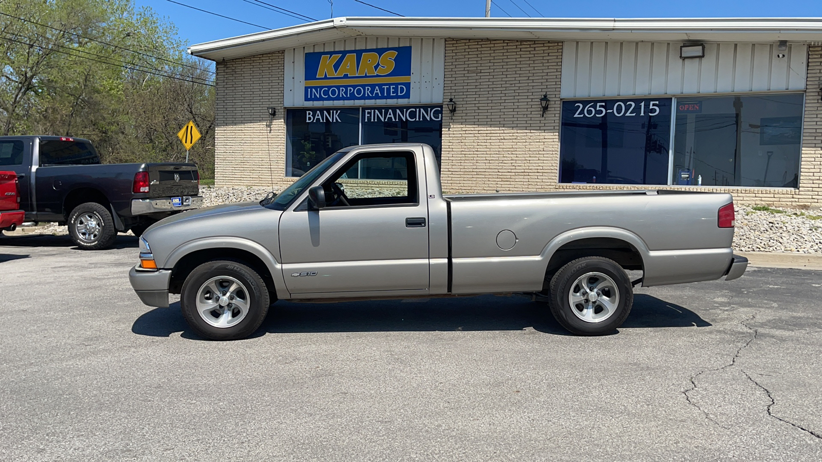 2001 Chevrolet S10 S10 Regular Cab  - 155238D  - Kars Incorporated - DSM