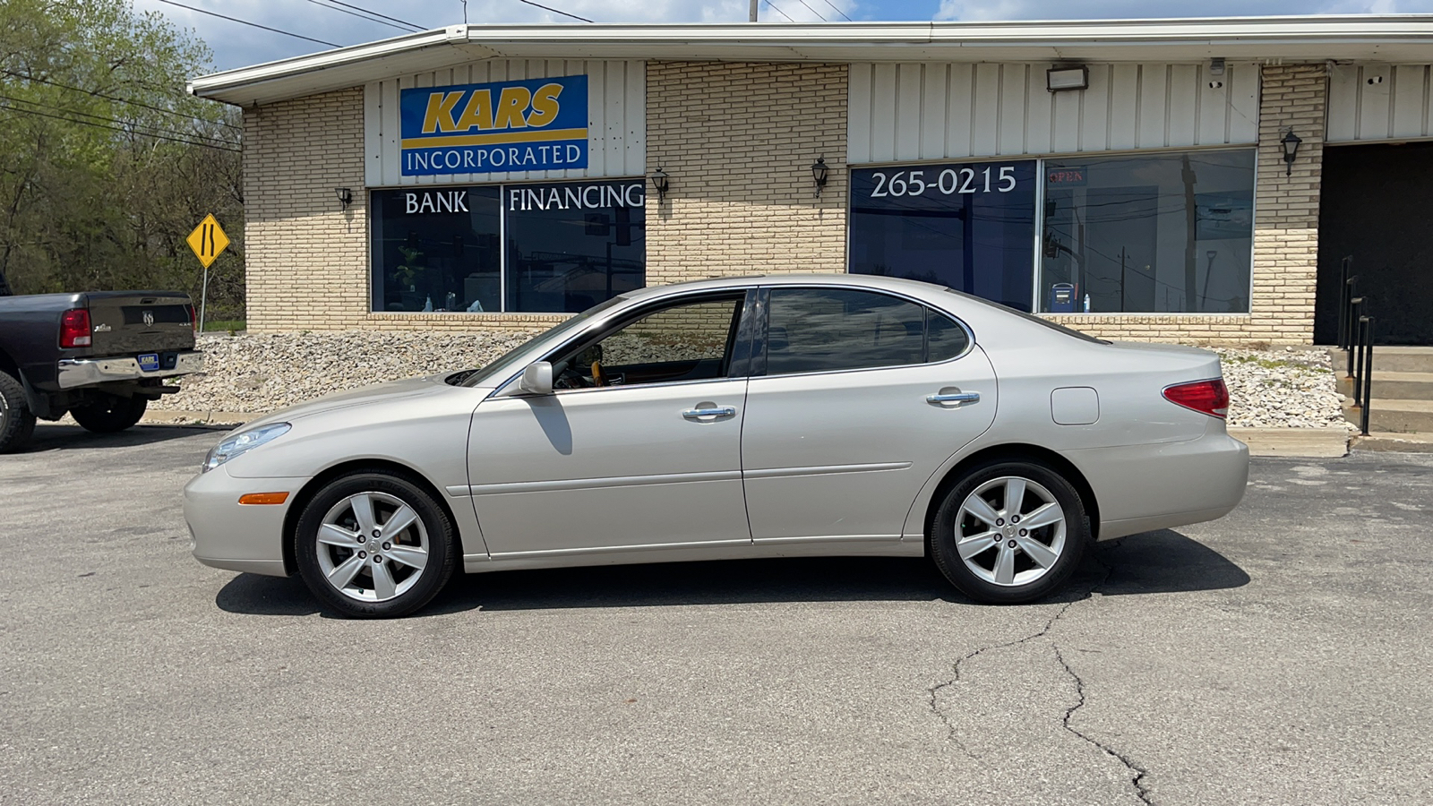 2005 Lexus ES 330  - Kars Incorporated - DSM