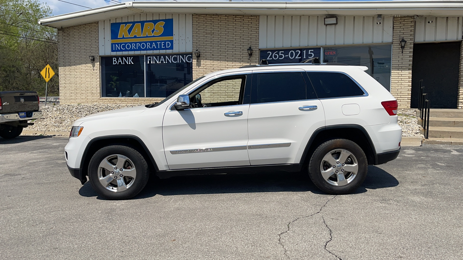 2011 Jeep Grand Cherokee LIMITED 4WD  - B15191D  - Kars Incorporated - DSM