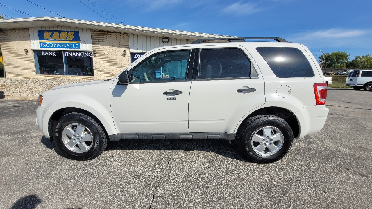 2009 Ford Escape XLT  - 920839D  - Kars Incorporated - DSM