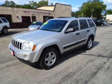 2005 Jeep Grand Cherokee Laredo 4x4 for Sale  - 10211  - Select Auto Sales