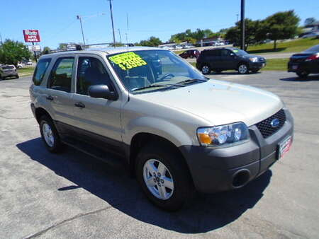 2005 Ford Escape XLS FWD for Sale  - 10556  - Select Auto Sales