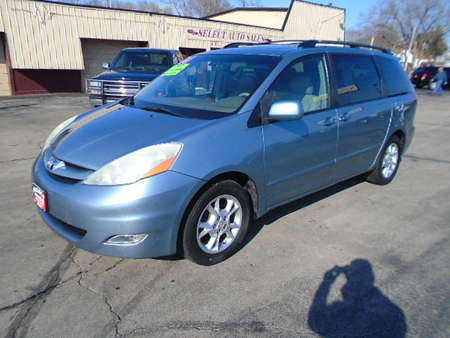 2006 Toyota Sienna XLE for Sale  - 10166  - Select Auto Sales