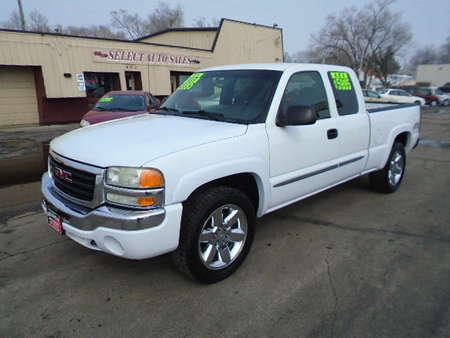 2004 GMC Sierra 1500 Extended Cab 4X4 for Sale  - 10159  - Select Auto Sales