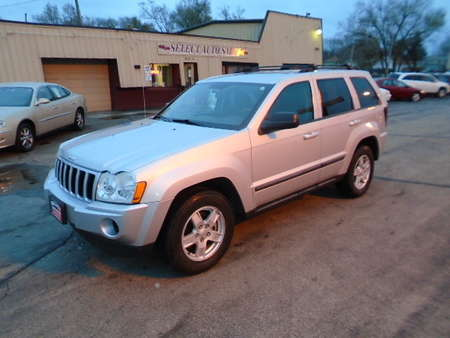 2007 Jeep Grand Cherokee 4X4 Laredo for Sale  - 10117  - Select Auto Sales