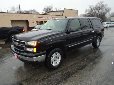 2006 Chevrolet Silverado 1500 Crew Cab 4X4 Z-71 for Sale  - 10448  - Select Auto Sales