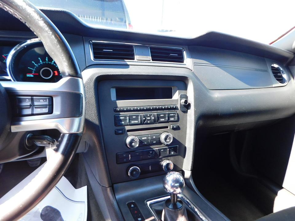 2013 Ford Mustang  - Toms Auto Sales West