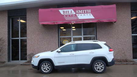 2018 Jeep Cherokee Latitude for Sale  - 205195  - Bill Smith Auto Parts