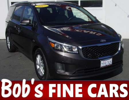 2017 Kia Sedona LX for Sale  - 4878  - Bob's Fine Cars