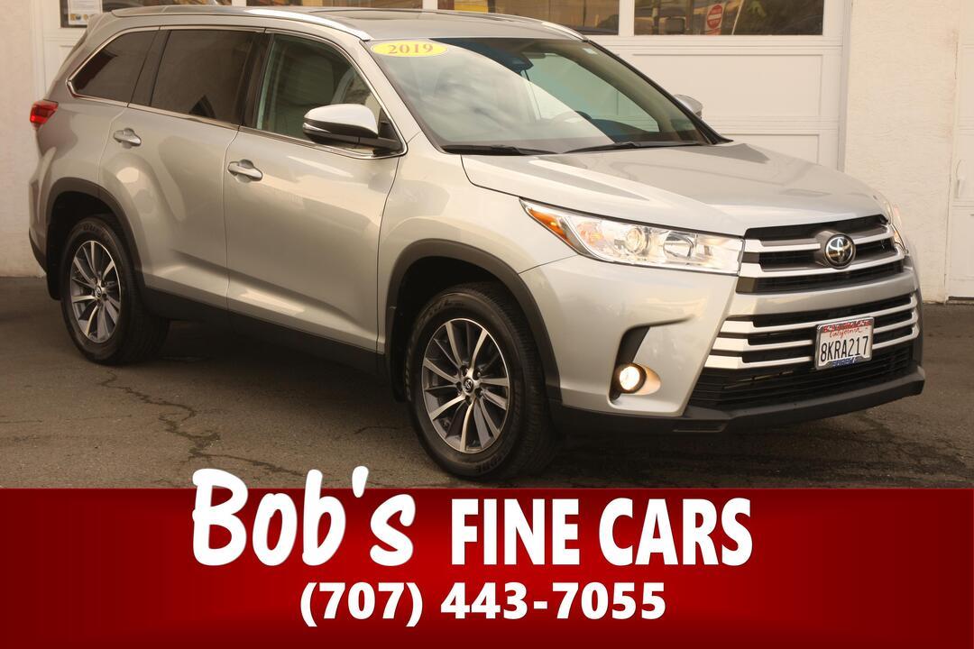 2019 Toyota Highlander  - Bob's Fine Cars