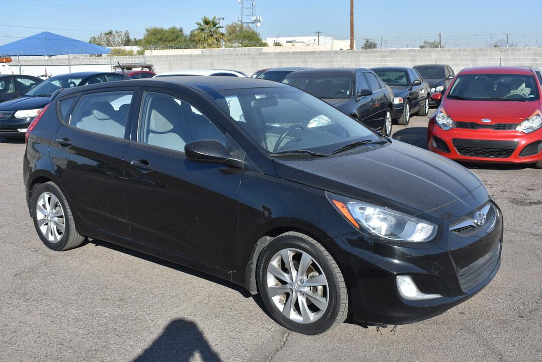 2012 Hyundai Accent SE  - 20376  - Dynamite Auto Sales