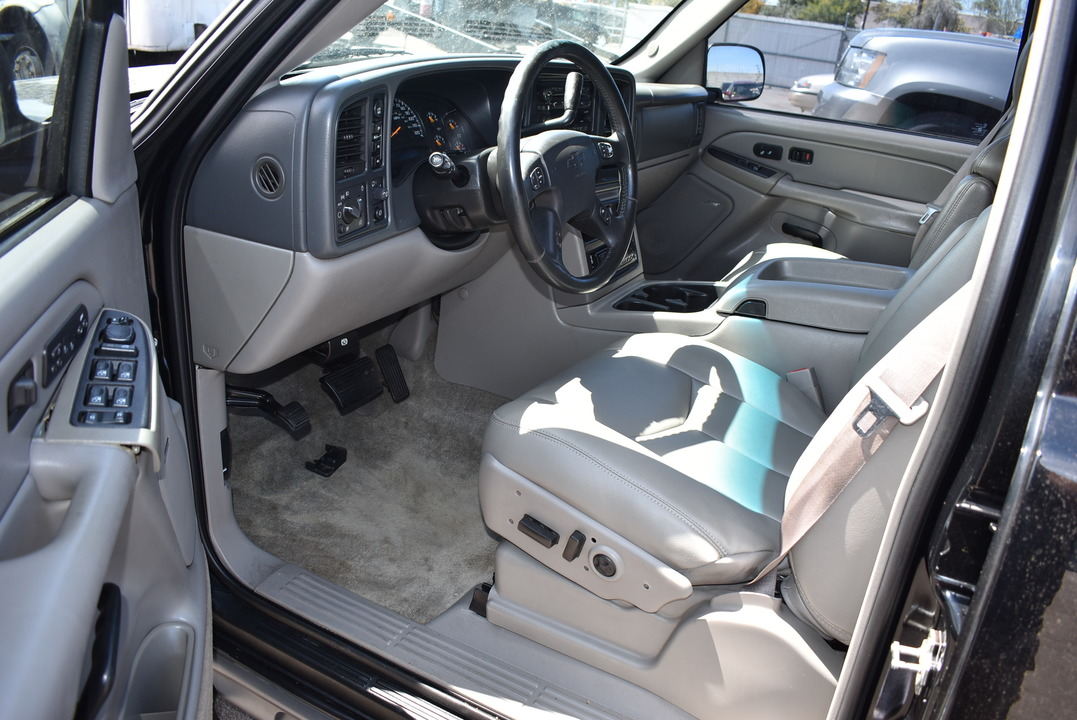 2004 Chevrolet Tahoe  - Dynamite Auto Sales