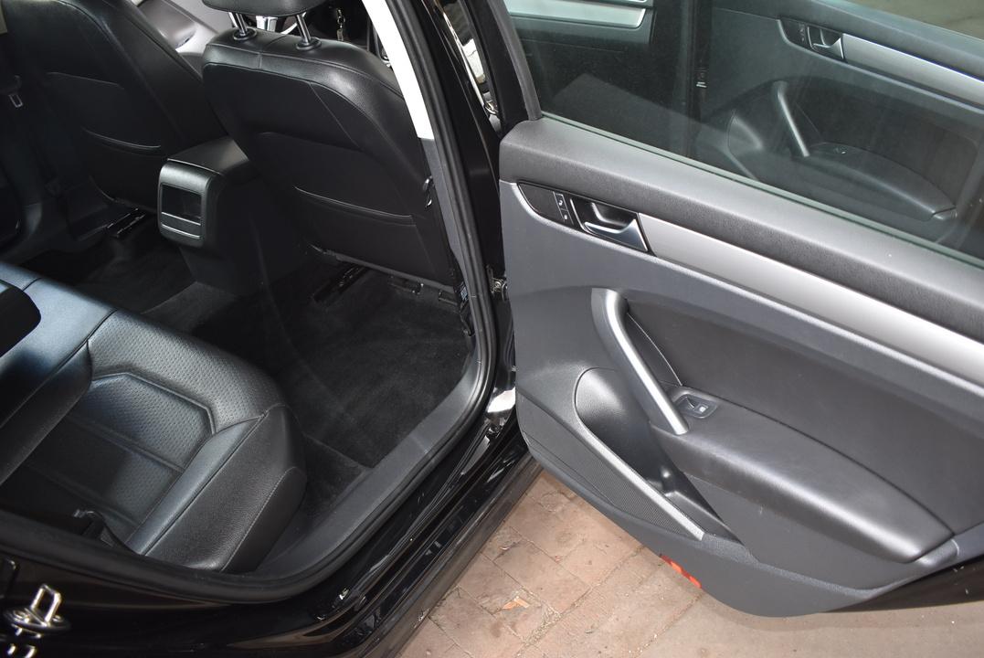2015 Volkswagen Passat  - Dynamite Auto Sales