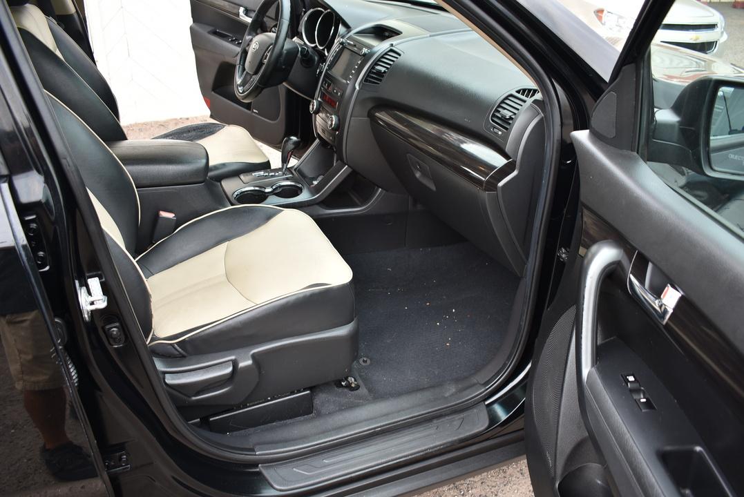 2011 Kia Sorento  - Dynamite Auto Sales
