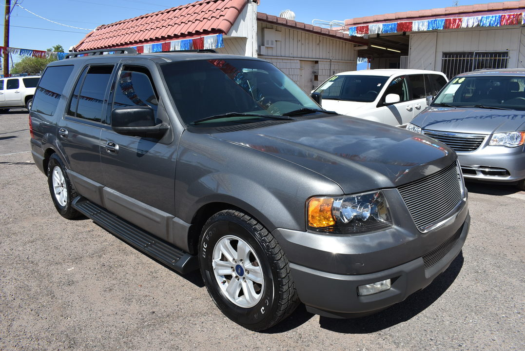 2005 Ford Expedition  - Dynamite Auto Sales