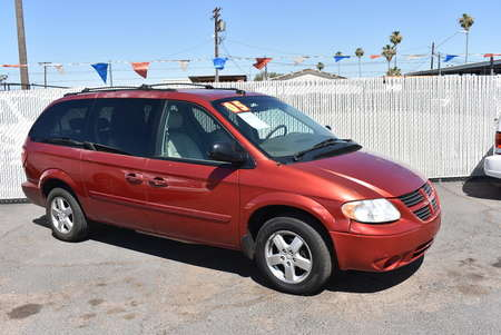 2005 Dodge Caravan SXT for Sale  - 18128  - Dynamite Auto Sales