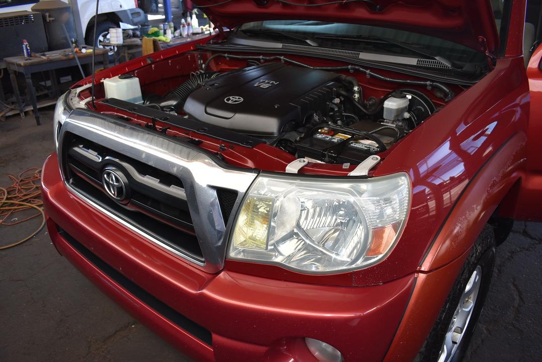 2005 Toyota Tacoma  - Dynamite Auto Sales