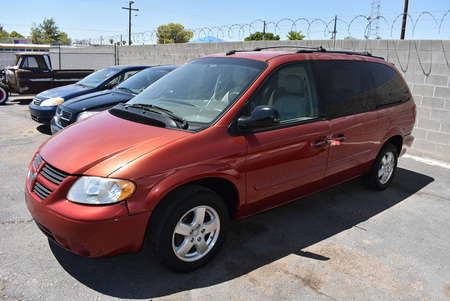 2005 Dodge Caravan SXT for Sale  - 19180  - Dynamite Auto Sales