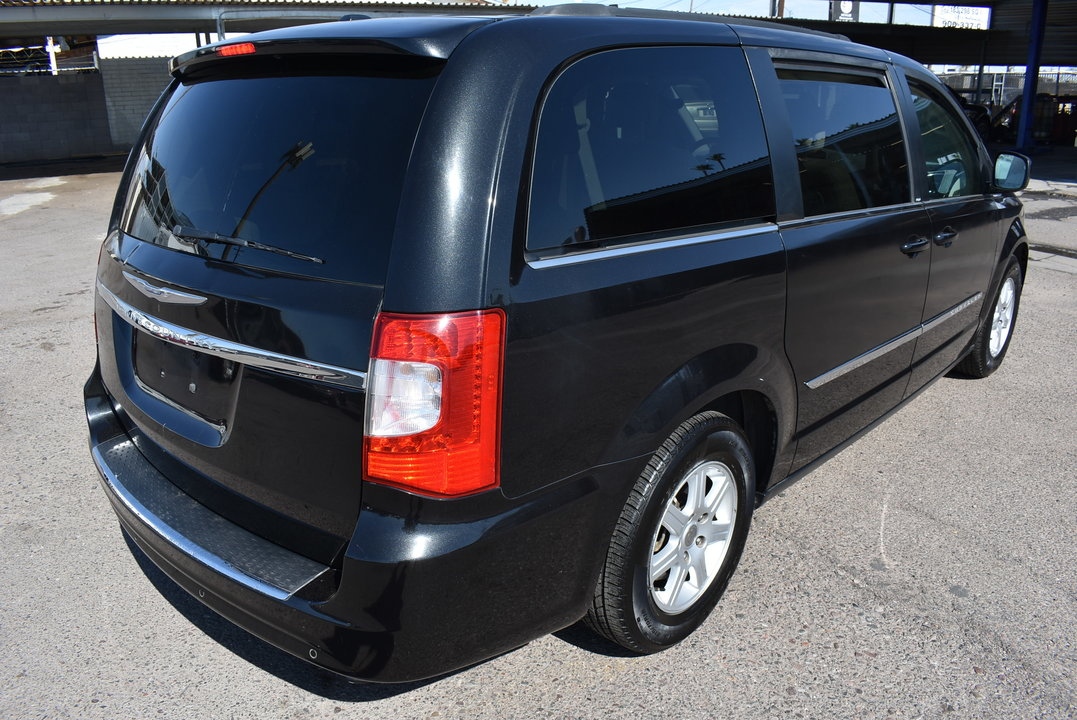 2011 Chrysler Town & Country  - Dynamite Auto Sales