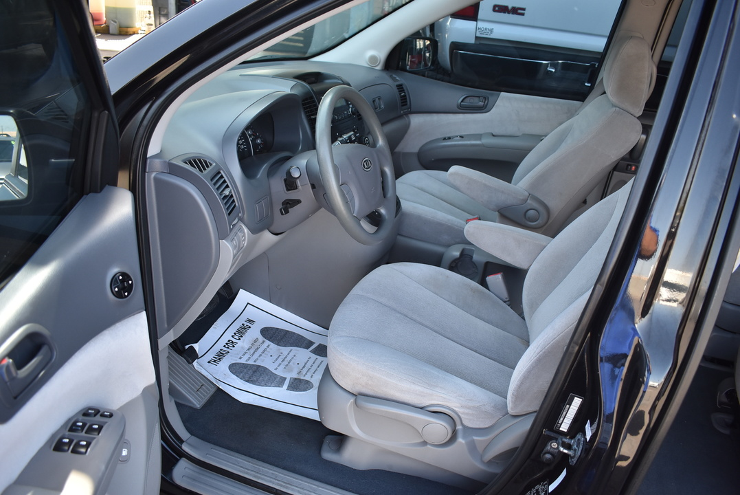 2008 Kia Sedona  - Dynamite Auto Sales
