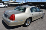 2005 Lincoln Town Car  - Dynamite Auto Sales