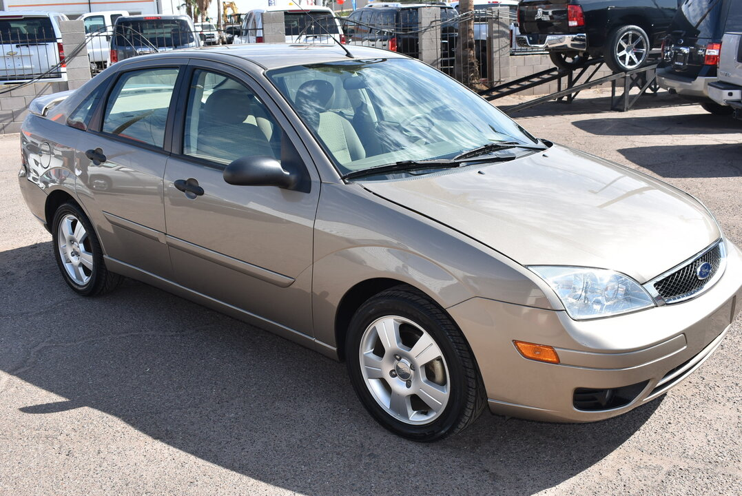 2005 Ford Focus SES  - 20302  - Dynamite Auto Sales