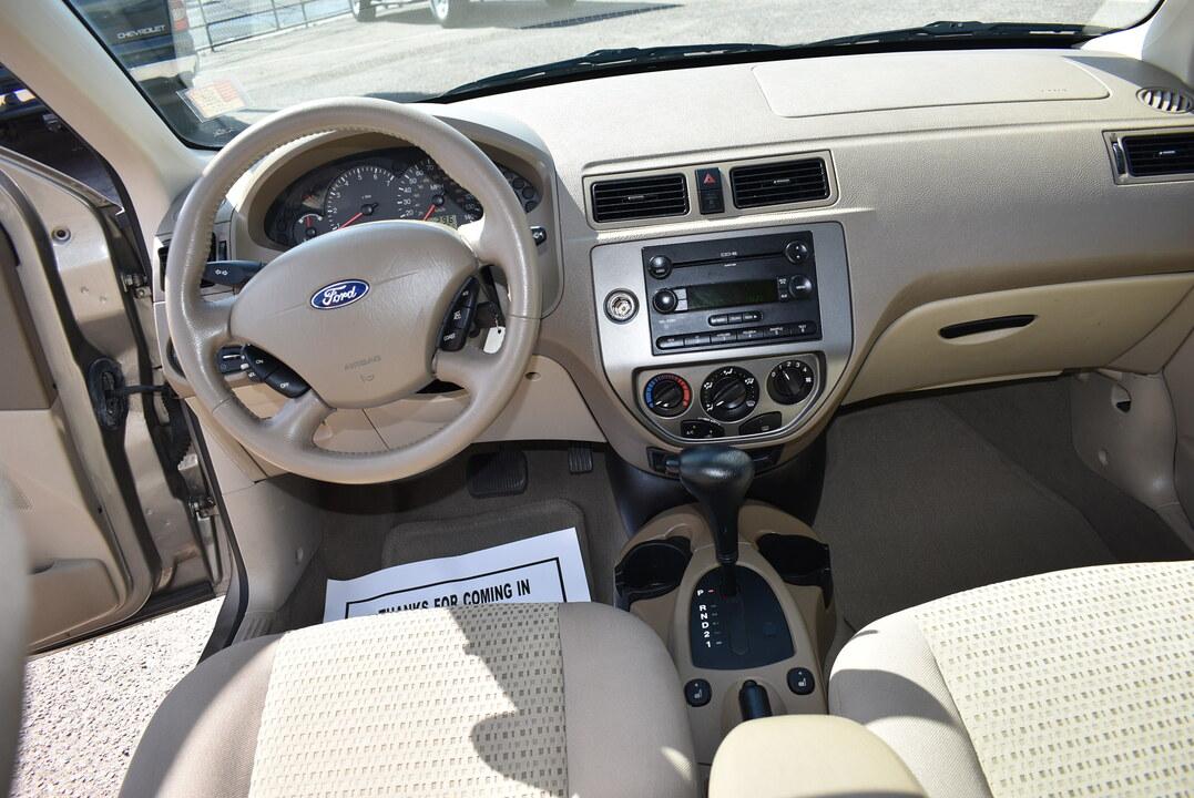 2005 Ford Focus  - Dynamite Auto Sales
