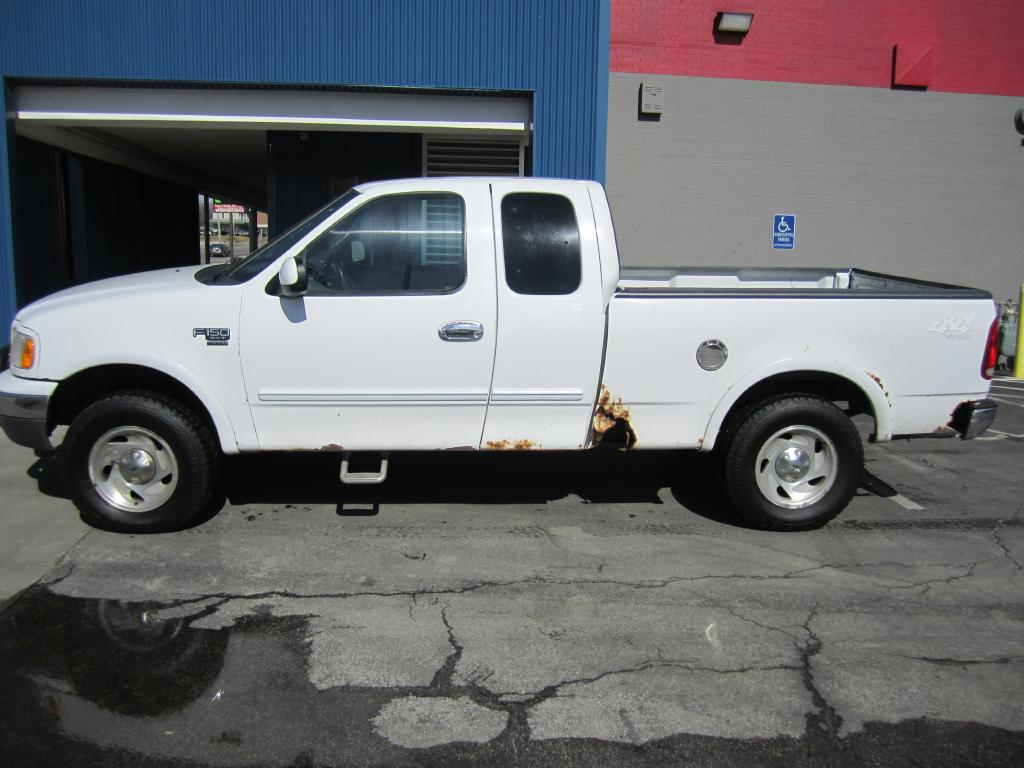 2000 Ford F-150  - MCCJ Auto Group