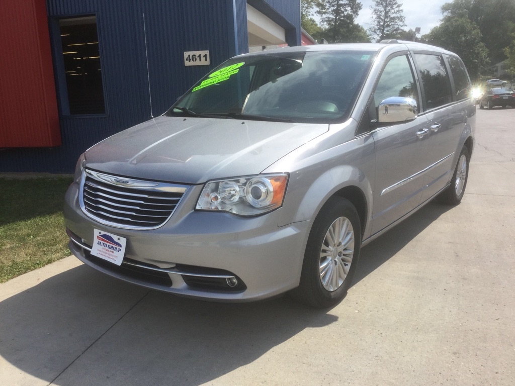 2015 Chrysler Town & Country  - MCCJ Auto Group