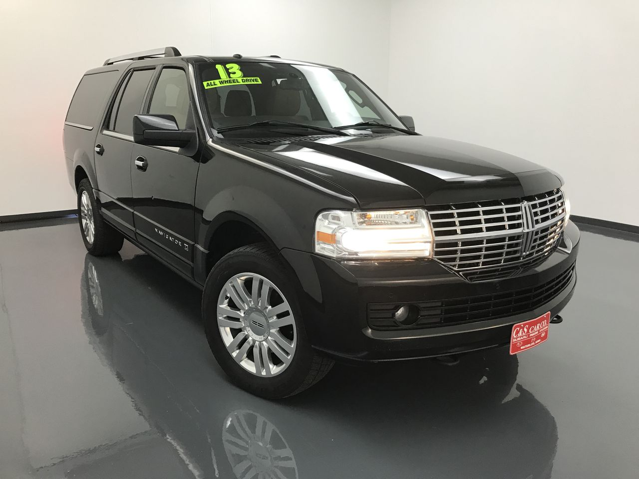 2013 Lincoln Navigator  - C & S Car Company