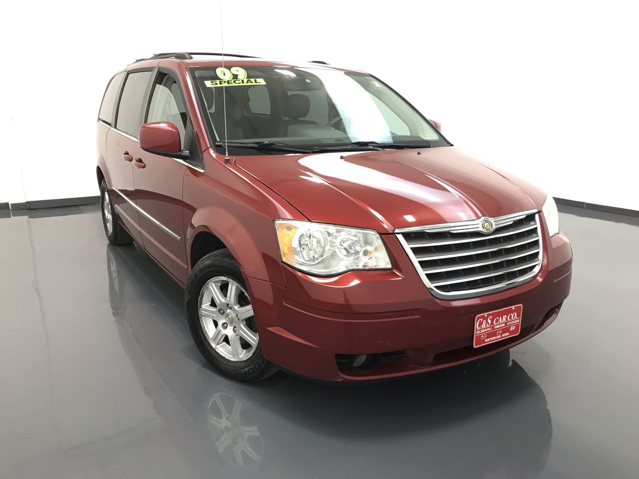 2009 Chrysler Town & Country Touring  LWB  - SB7675A  - C & S Car Company