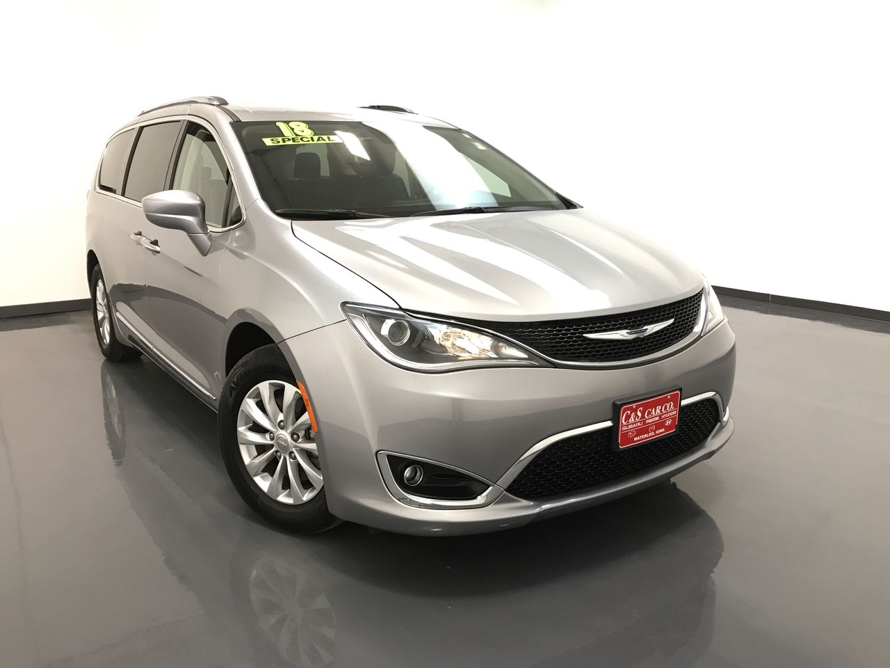 2018 Chrysler Pacifica Touring - L  - SB7413A  - C & S Car Company