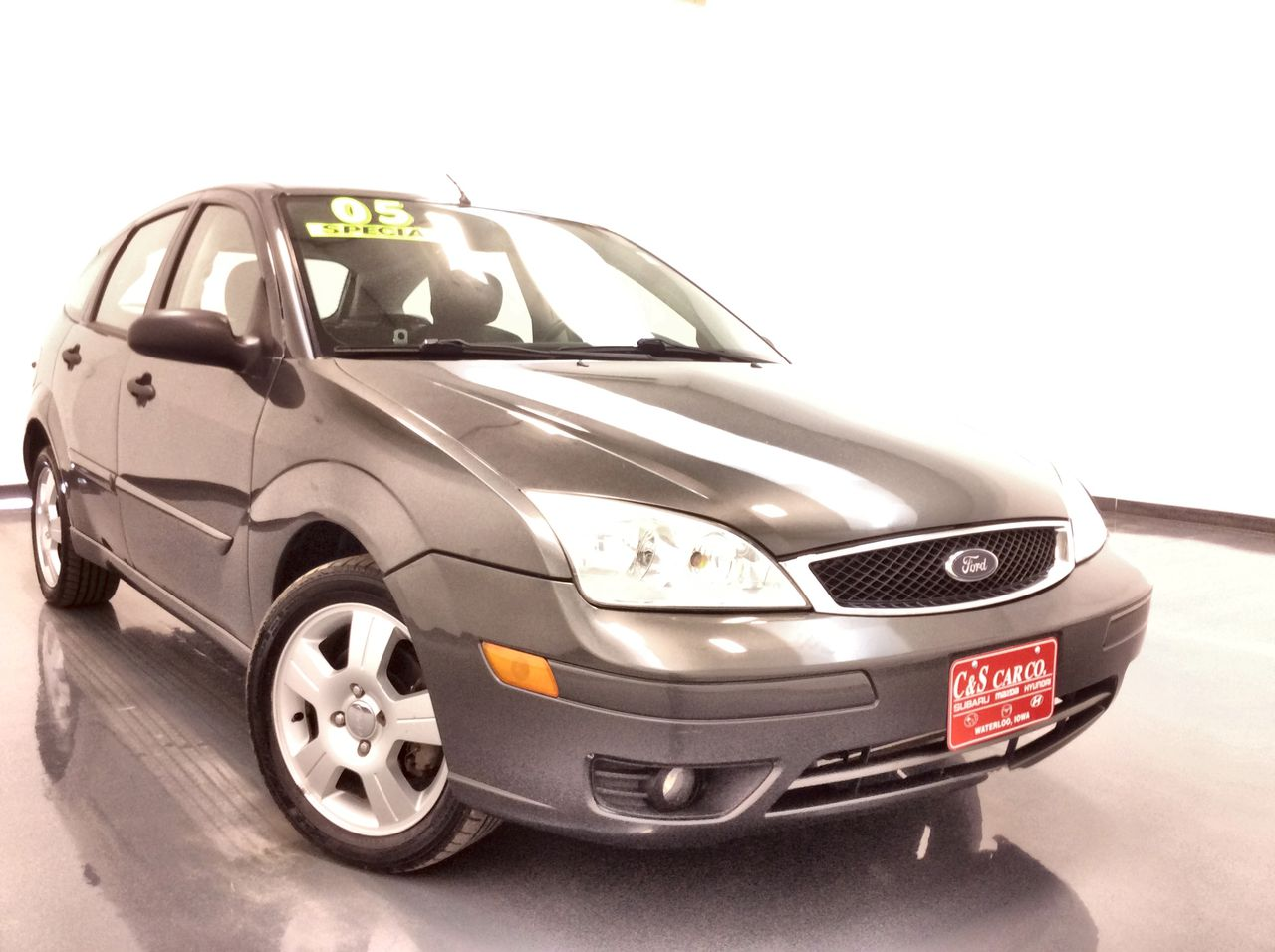 2005 Ford Focus 4D Hatchback  - HY8150A  - C & S Car Company