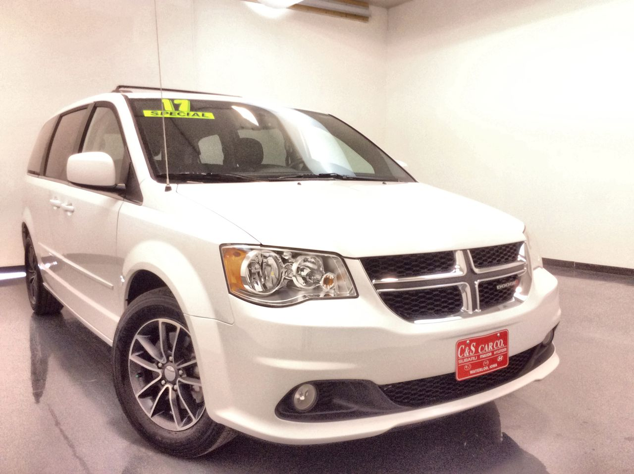 2017 Dodge Grand Caravan Wagon  - SB8315A  - C & S Car Company