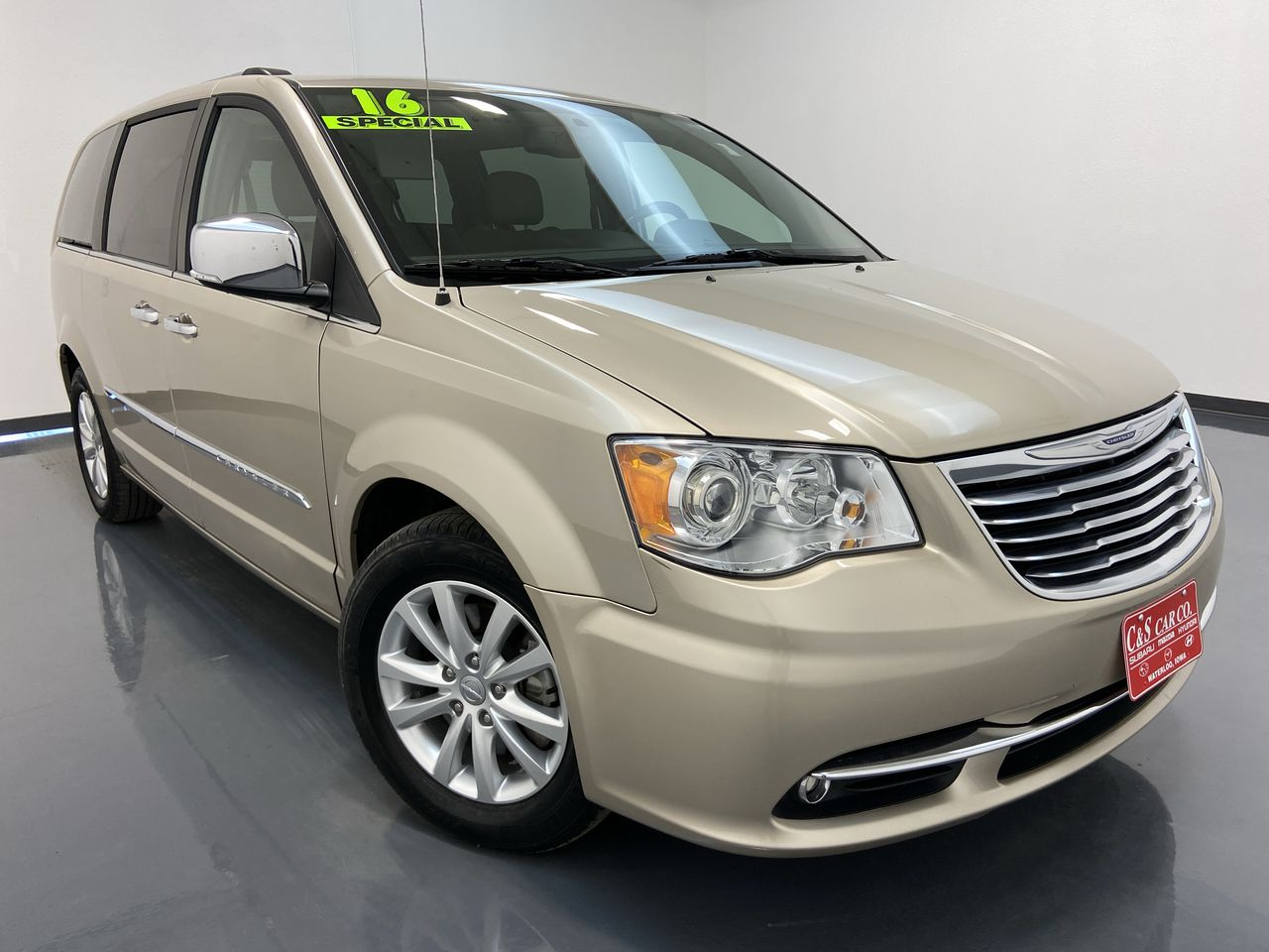 2016 Chrysler Town & Country Wagon LWB  - 16307  - C & S Car Company