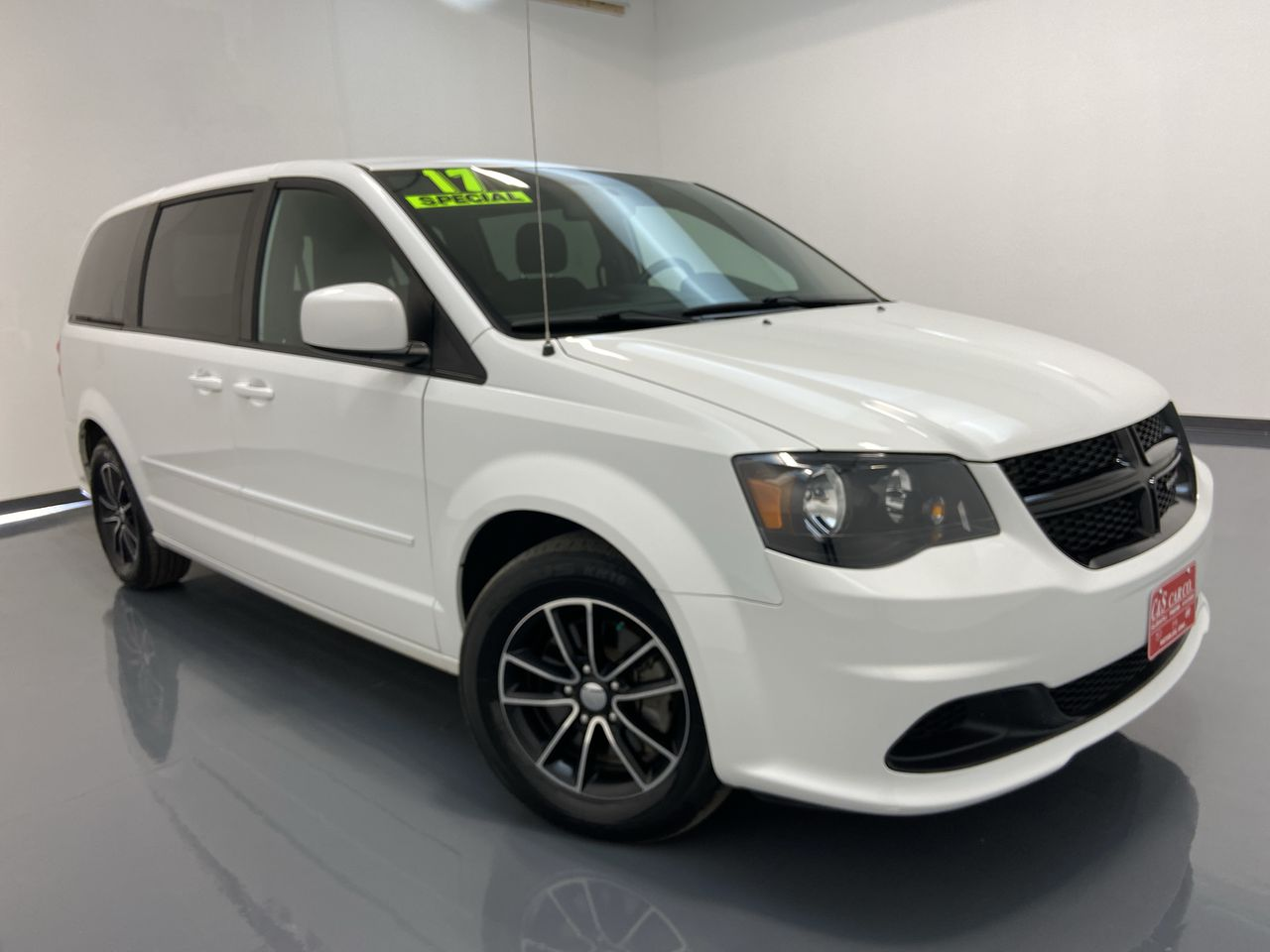 2017 Dodge Grand Caravan Wagon  - HY8543A  - C & S Car Company