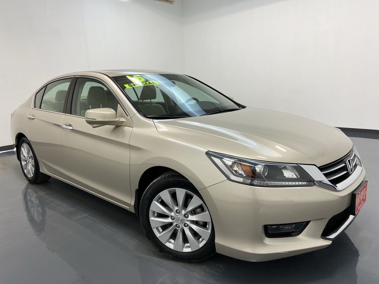 2015 Honda Accord 4D Sedan  - HY8453B  - C & S Car Company