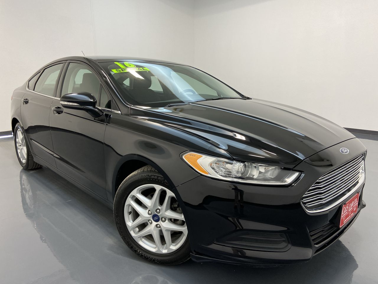 2016 Ford Fusion 4D Sedan  - SB8582B  - C & S Car Company
